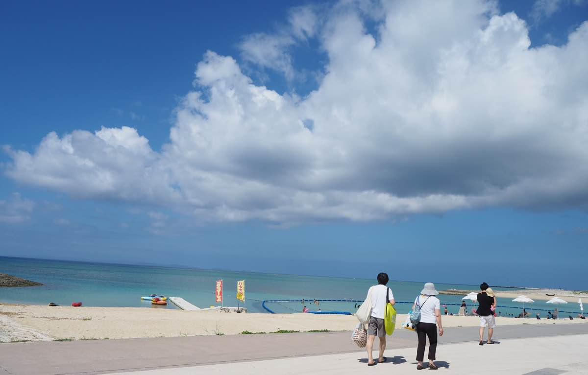 美らSUNビーチまでの道
