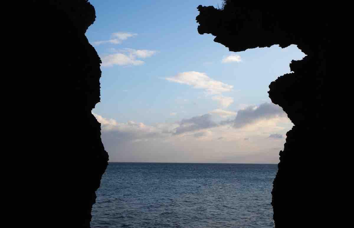 伊江島の洞窟